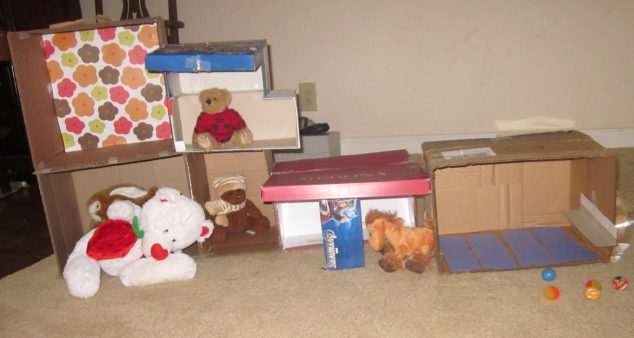 box craft ideas - stuffed animal hotel