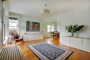 Minimilist Living Room / Family Focus Blog