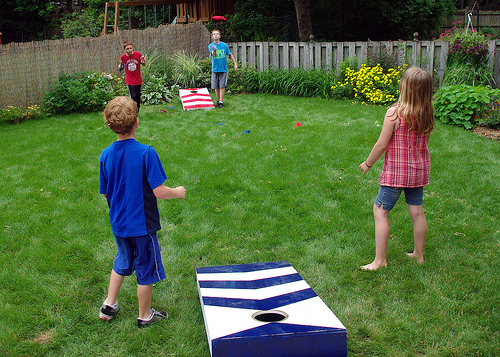 how to make a cornhole game / Famliy Focus Blog