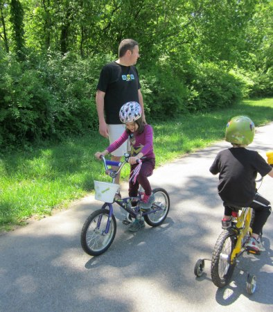 ride bikes- 10 Family Activities For Summer Fun