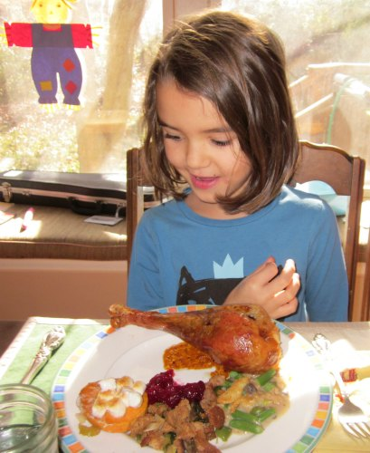kids Thanksgiving chores- how kids can help with Thanksgiving