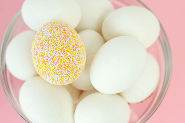 Creative Ways To Decorate Easter Eggs- sprinkle covered