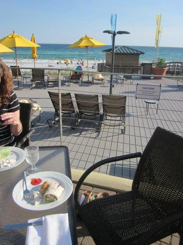 Dining Beachside Sandestin-Barefoot's Beachside Bar and Grill