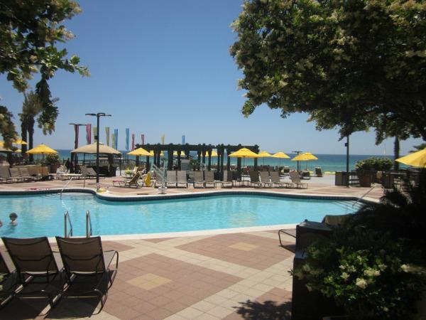 Hilton Sandestin pool and beach await