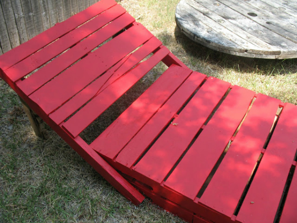 pallet lounger, pallet furniture, DIY pallet