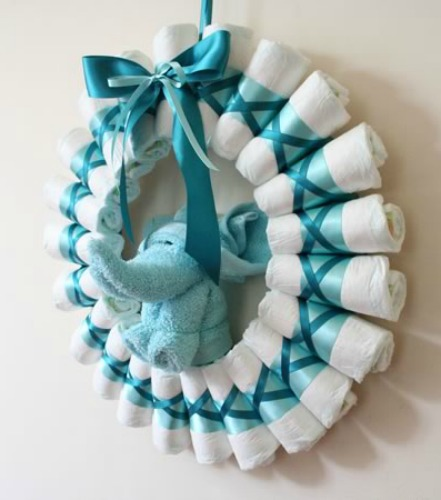 diaper-wreath-instructions-finished-side-elephant-600x450