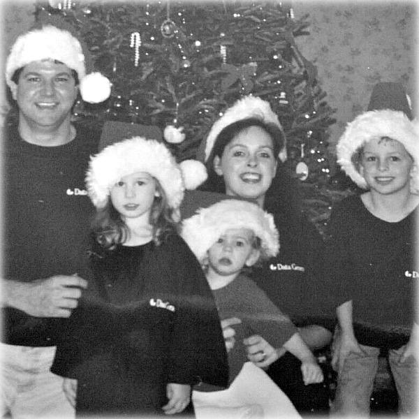 8 family holiday traditions, family activity holidays