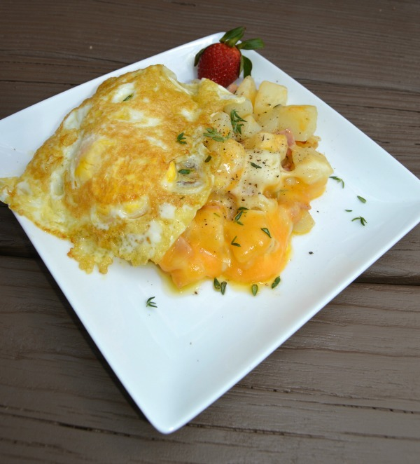 Cheesy-Ham-Potatoes-with-egg