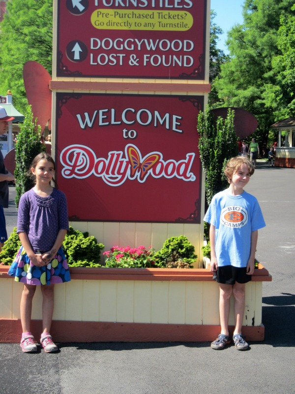 Theme Park Review of Dollywood Pigeon Forge TN