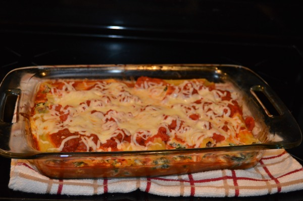 making lasagna