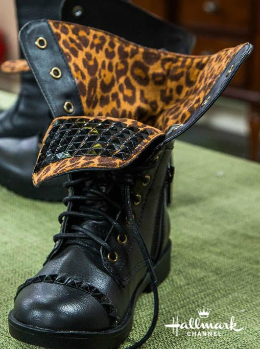 studded boot tutorial