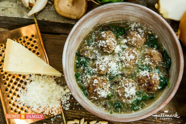 healthy homemade meatballs with spinach and mushrooms sauce