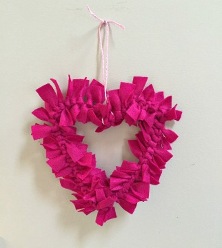 diy heart felt wreath