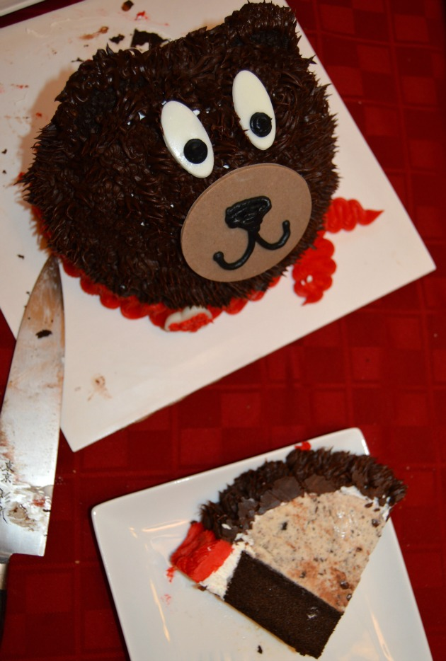 teddy bear cake slice