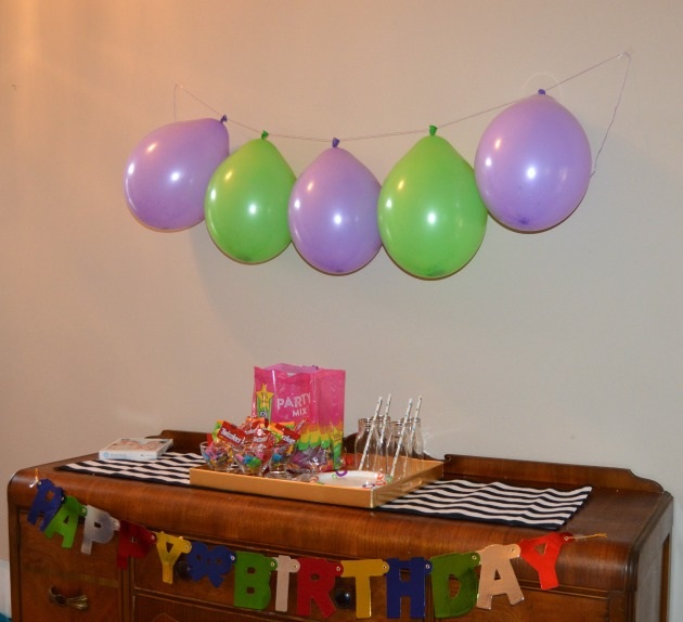 birthday balloon decoration