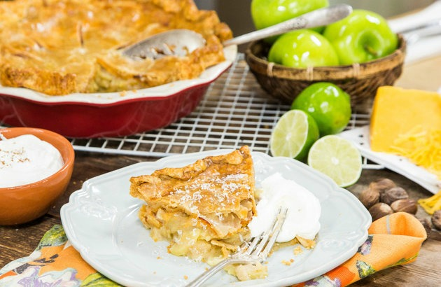 apple pie with chedder cheese