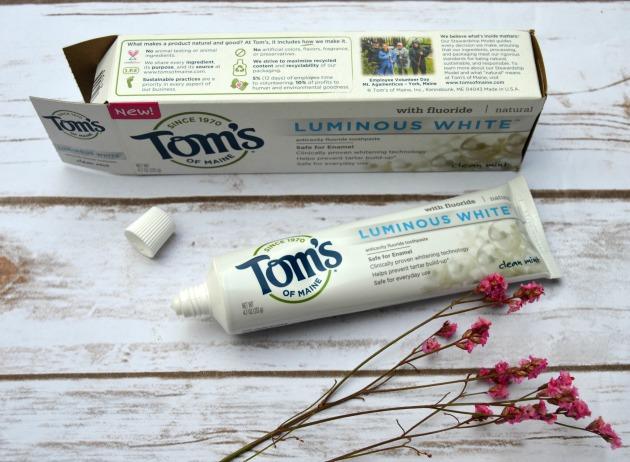 luminous-natural-whitening-toothpaste