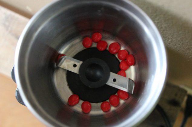 cinnamon red hot lip gloss red