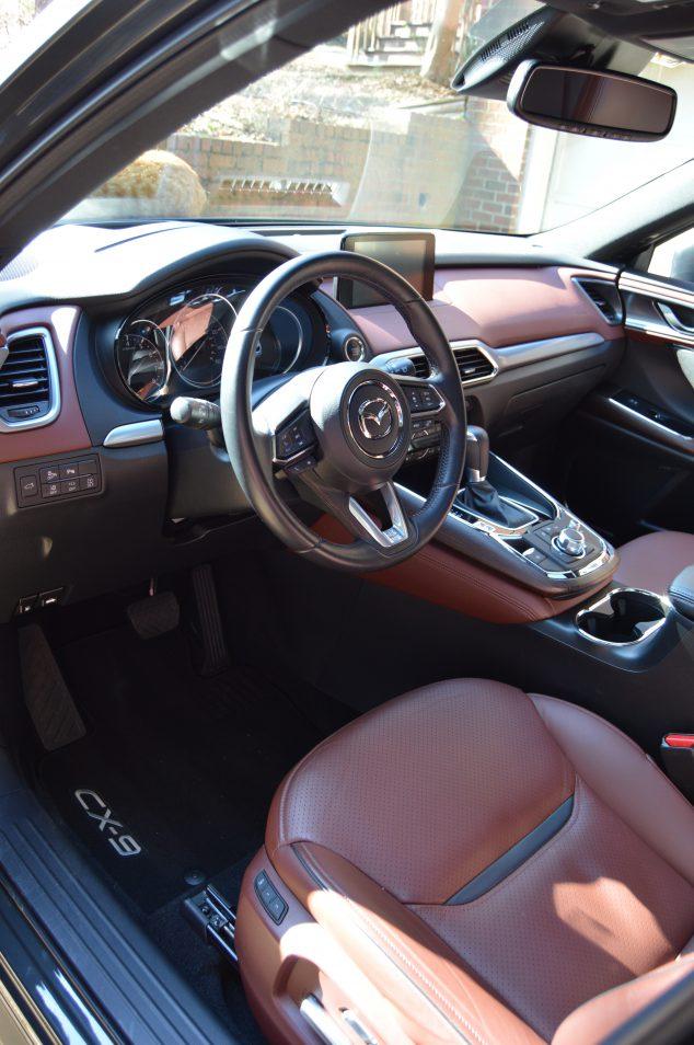 Mazda CX9 cabin