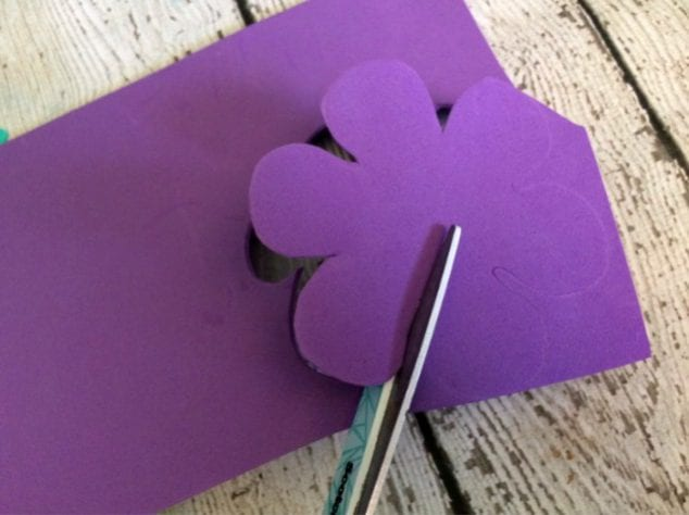 cut out flower craft- pre writing activities for preschoolers to develop hand eye coordination