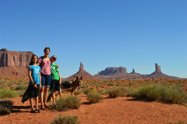 Monument Valley Wildcat Trail Hike