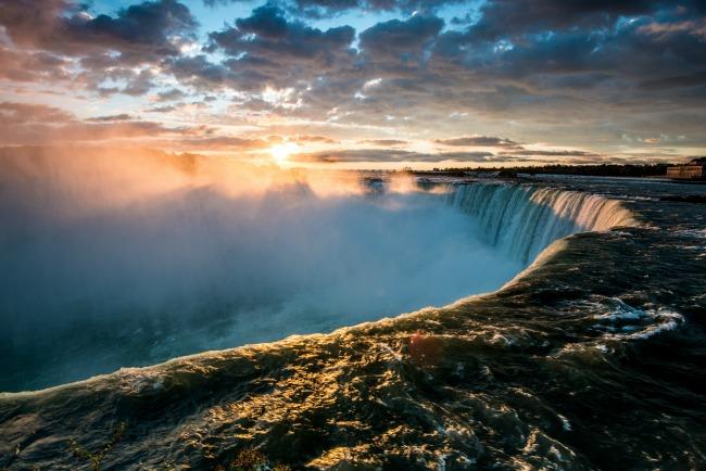 niagra falls sunrise