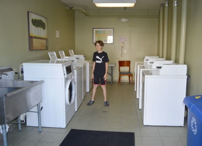 hotel with laundry mat