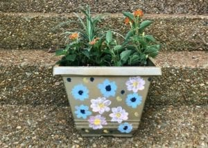 painting flower pots idea