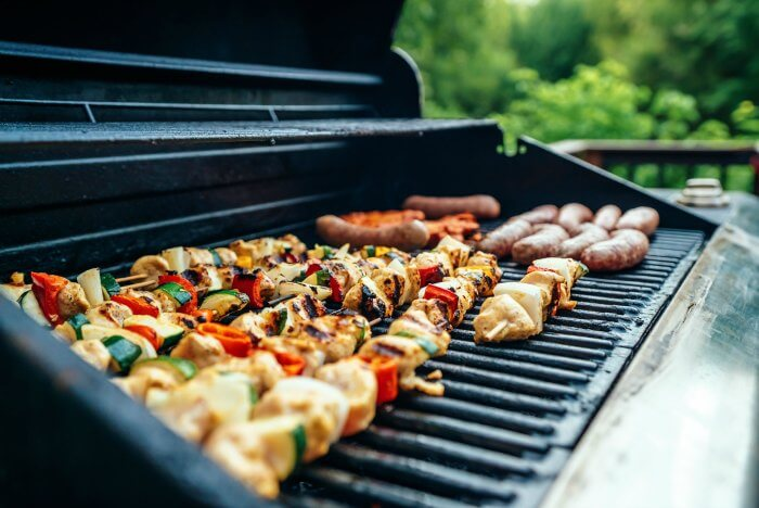 5 Fun Backyard Summer Party Ideas For Adults | Family ...