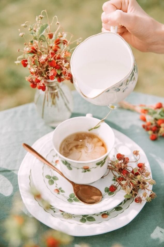 tea party- 5 summer backyard party ideas you will love