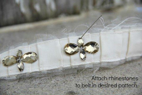 attach rhinestones to belt
