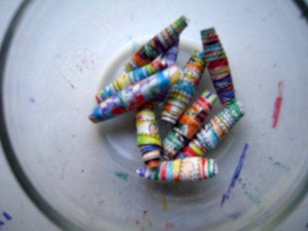 make rolled paper beads