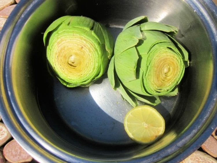 how to boil artichokes