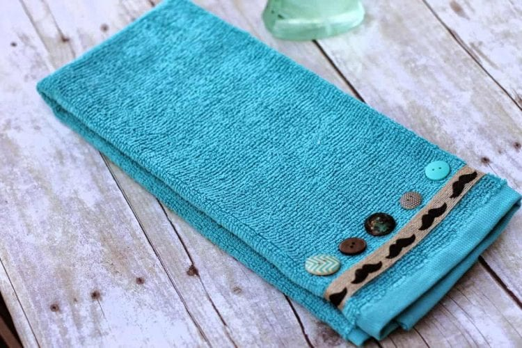 how to decorate a hand towel
