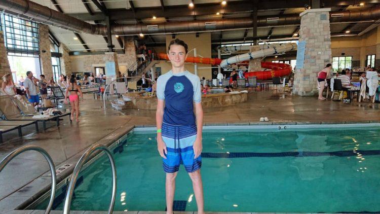 gaylord rockies indoor pool area