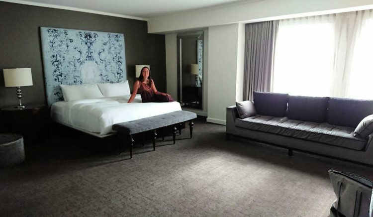 luxurious hotel rooms kc